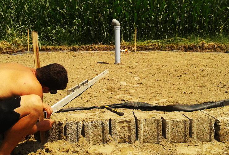 per preparare il bacino raccolta acqua per il risparmio energetico ho preparato un fondo adeguato
